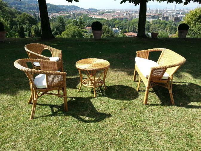 Tavolino in vimini torino noleggio for Salottini in vimini